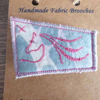HORSE BROOCH - PINK THREAD, FREE MOTION EMBROIDERY - HORSE HEAD