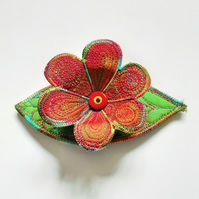 Textile Haircomb with 3D flower & Leaf
