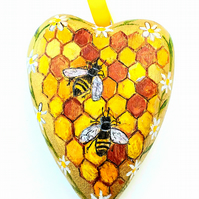 Wooden heart bees honey and daisies
