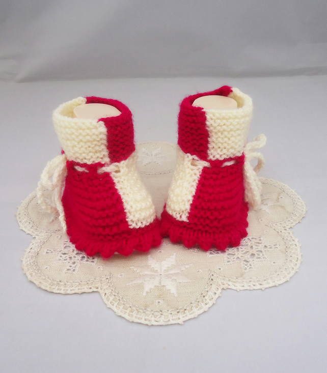 Hand Knit Baby Booties, Domino Booties, Two Color Baby Booties