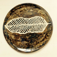 Plate in stoneware clay