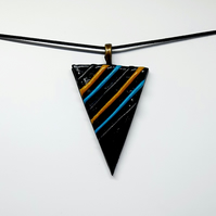 Striped pendant necklace