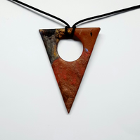 Cutout pendant necklace