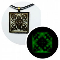 Bronze pendant  ( Glow in the dark)