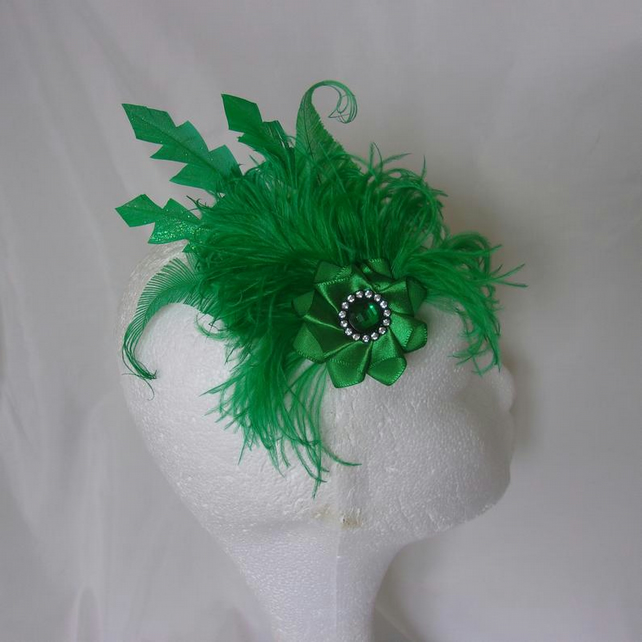Emerald Green Glitter Feather & Crystal Fascinator Hairclip