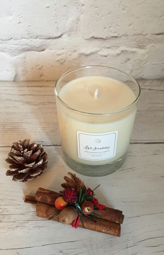 Soy Candle  - Eco Soy Wax - Festive Fig & Snowberry - Glass Jar & Wooden Lid