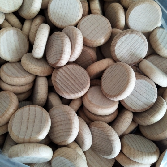 10 x Beech Wood Coins, Counters, Peg Doll. Fairy garden