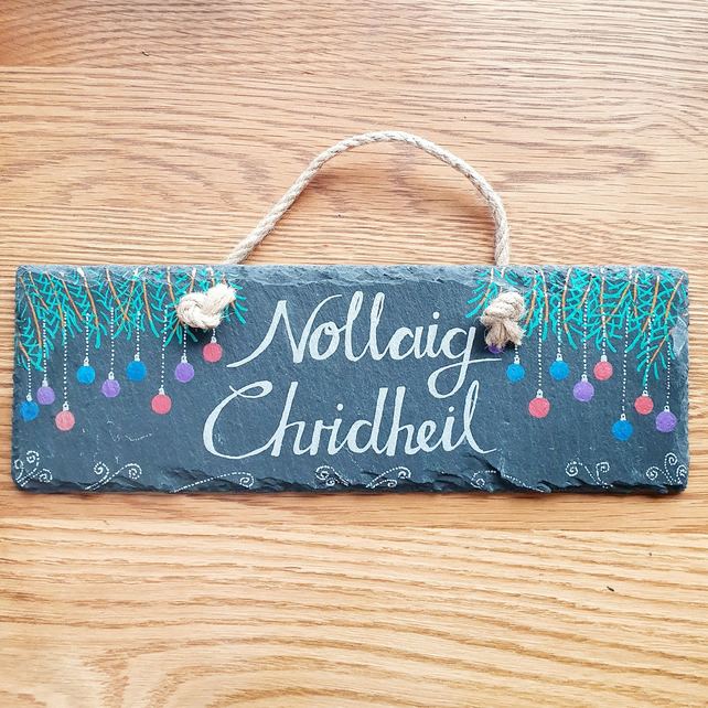 "Large Baubles ""Nollaig Chridheil"" (Merry Christmas) Slate Sign"