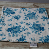 Flower print polishing cloth, unpaper product. Flannel and cotton waffle.