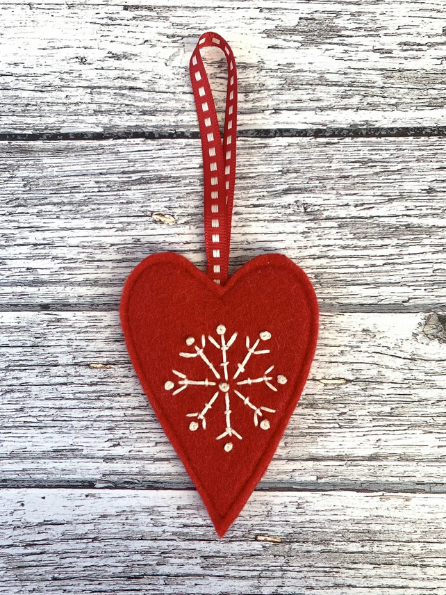 Heart & snowflake decoration