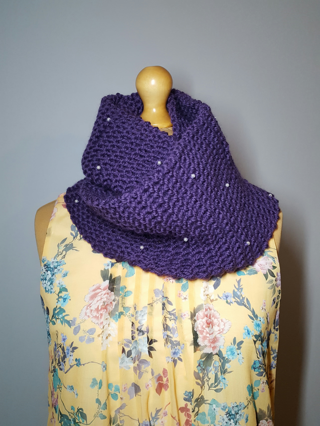 Hand Knit Wool Infinity Scarf, Knitted Scarf , Purple Cowl, Pearls Wool Scarf