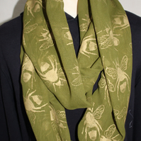 Green and gold silk sari infinity scarf, hand printed bee patterned,Eco gift.