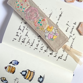 Hexie patchwork bookmark, fabric bookmark, book lover gift