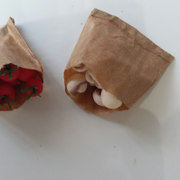 1.12TH Paper Bags of Tomatoes and Mushrooms