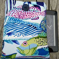 Kindle cover with fishes