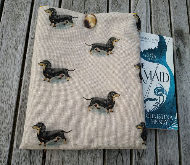 Book sleeve with dachshunds