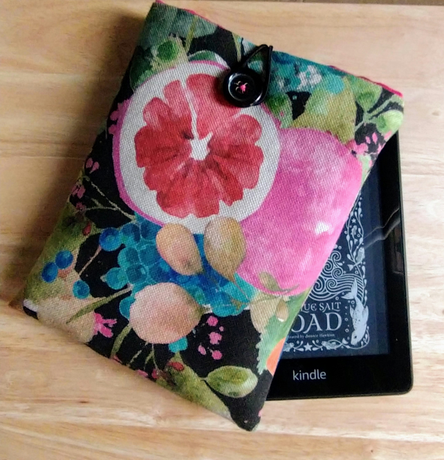 Kindle cover with vintage fruit design
