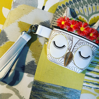 Owl bag wristlet purse with embroidered flower detail