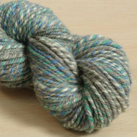 Circus Seal - hand spun and dyed Shetland yarn, 100g, 85m, Worsted 3 ply
