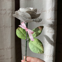 Bridgerton Paper Rose (with spoon!)