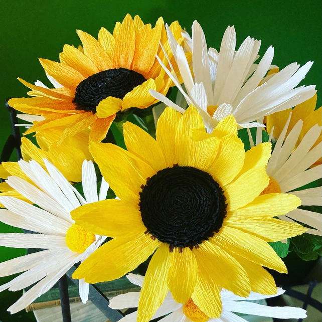 Sunflower and oxeye daisy bouquet