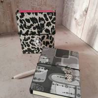 Black and White Sticky note Notebooks