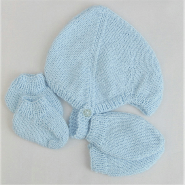 Baby's Knitted Helmet Mittens and  Booties Set, Baby Shower Gift, New Baby Gift