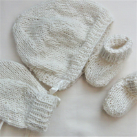 Classic Bonnet Mittens and Boots Set for Baby, Baby Shower Gift, New Baby Gift