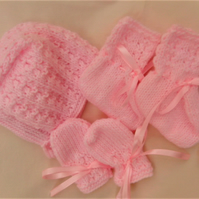 Bonnet Mittens and Boots Set for Baby, Baby Shower Gift, Gift Ideas for Baby
