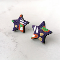 Handpainted Graffiti Leather Star Stud Earrings - Purple