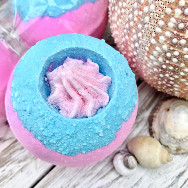 Bubblegum Smoothie Bath Bomb