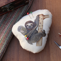 Sloth Welsh Tweed Magnetic Pin Cushion - Animal Plush Needle Minder