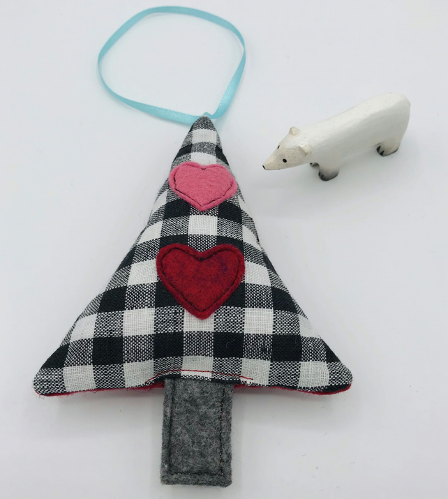 HANGING CHRISTMAS TREE Decoration - Black and White Check - Red & Pink Hearts