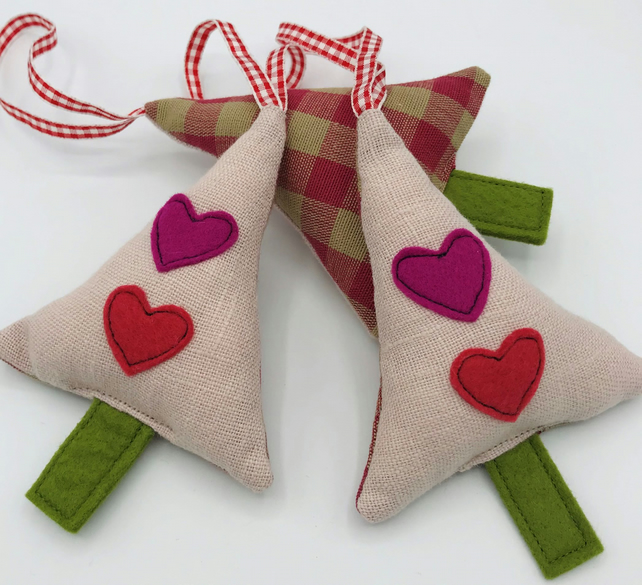 HANGING CHRISTMAS TREE Decoration - Baby Pink Linen - Red and Pink Hearts