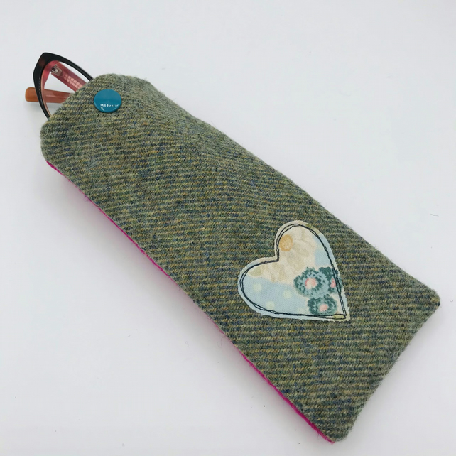 Glasses Case - Sunglasses Case - Ladies -  Green-Grey Tweed with Pale Blue Heart
