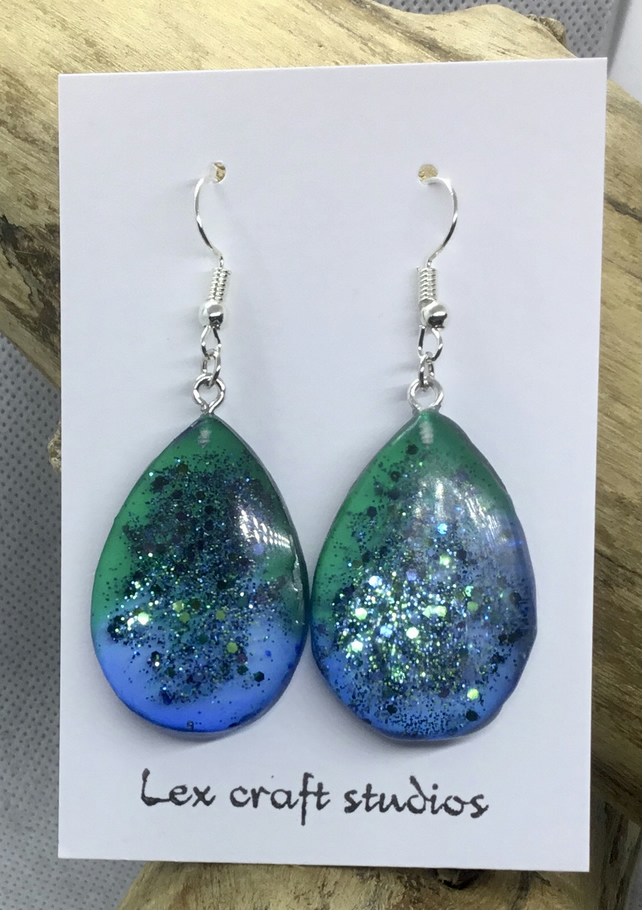 Blue and green  sparkle drops