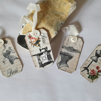 A Stitch In Time Vintage Gift Tags Set 3 (Ref 0123)