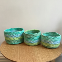 Set of 3 nesting baskets in aqua cotton