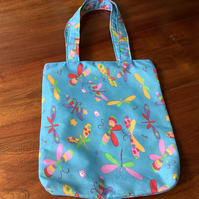 Little girls tote or book bag.