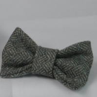 Handmade Yorkshire Tweed Dog Bow - Green Weave