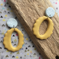 Handmade earrings in polymer clay, no158 yellow and blue