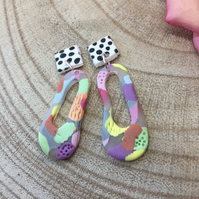 Handmade earrings in polymer clay, no161 wiggly pastel and dotty