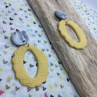 Handmade earrings in polymer clay, no165 yellow and grey marble