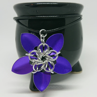 Scalemail flower pendant