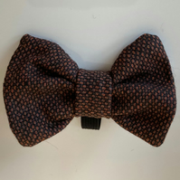 Lovely Fine  Brown Check Tweed Dog Bow Tie