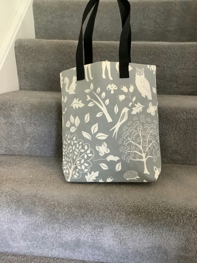 Nice woodland scene design fully lined tote bag with Black  handles