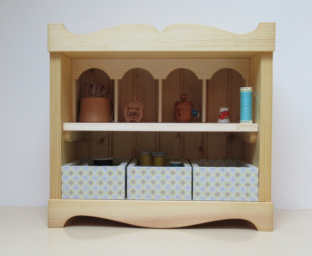 Crafter's display storage box
