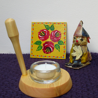 Wee Willie Winkie Tea Light Holder
