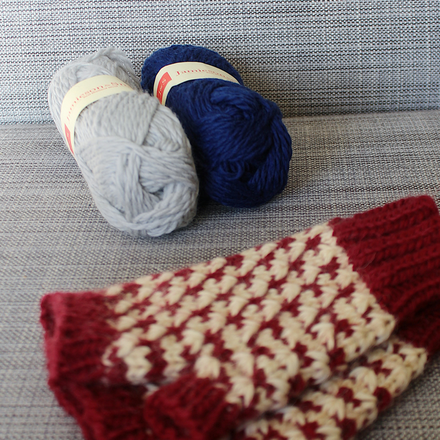 Rose Thorn Mitts (Navy & Grey)