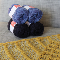 Soft-Hearted Cowl (navy & blue - size 1)